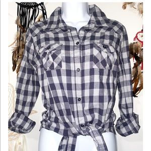 Forever 21 Light Weight Checkered Button Up